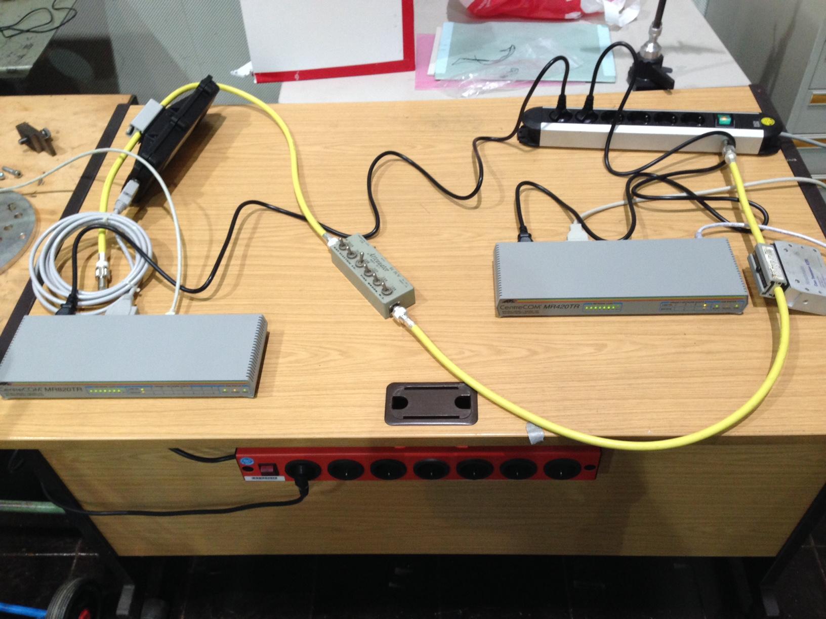 Testaufbau eines 10Base5 Netzwerksegments