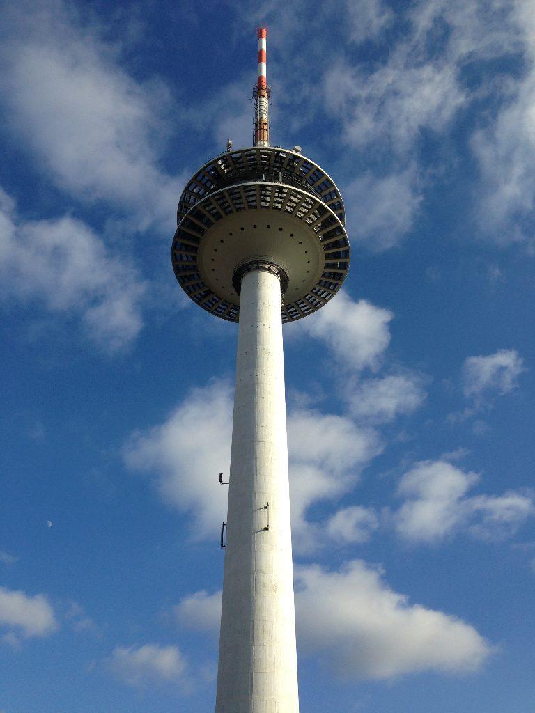 Der Turm von Nahem