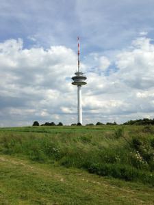 Der Fernmeldeturm in Braunschweig-Broitzem